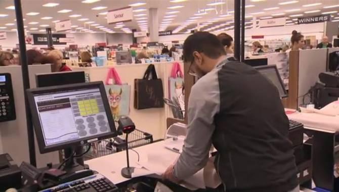 'Retail is under attack': Technology means change for Winnipeg stores - Winnipeg