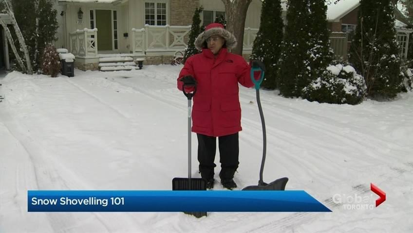 Winnipeg's snow-clearing Snow Angels short on volunteers, will go on hiatus - Winnipeg