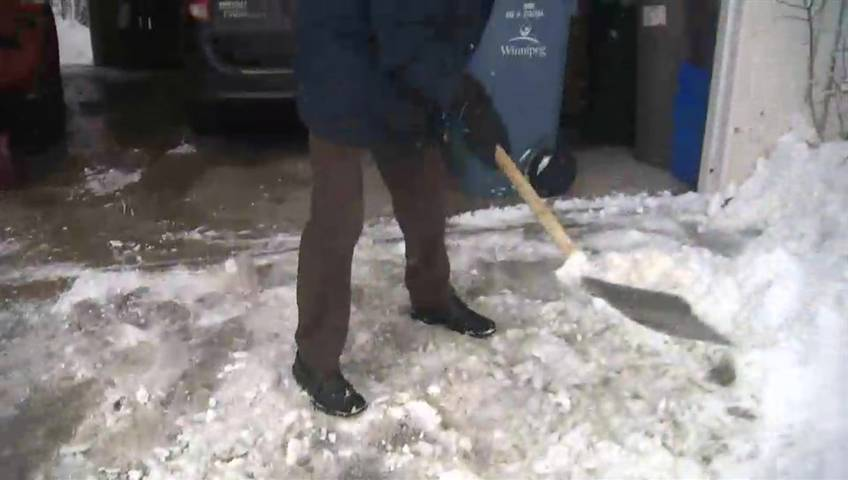 Heavy snow can put your heart health at risk: Heart and Stroke - Winnipeg